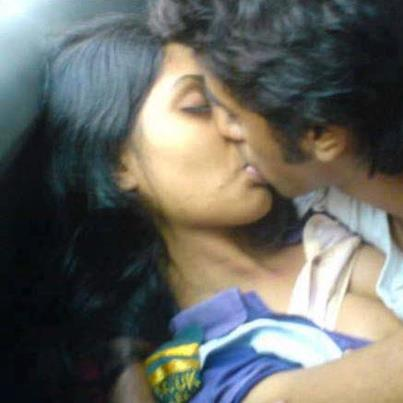 14 STRANGE FACTS ABOUT KISSING | karuppurojakkal